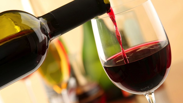vino-rosso-bicchiere-bottiglia