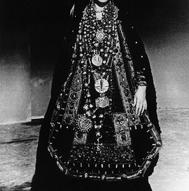 1_Maria Callas come Medea con il costume di scena disegnato da Piero Tosi per il fil di Pasolini, 1968 (ph Mario Tursi) ©
