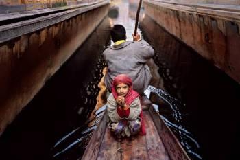 Srinagar, Kashmir, 1996 - ©Steve McCurry