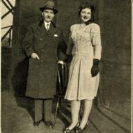12_Maria Callas e il padre a New York nel 1945, da Epoca, 13 gennaio 1957 ©