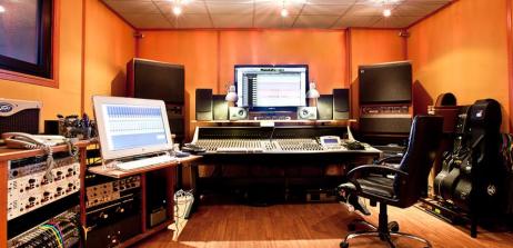 La sala di registrazione R&B di Civitavecchia