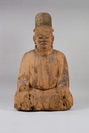 Divinità Maschile Periodo Heian, X secolo Legno non dipinto, altezza 121 cm. Futagami Imizujinja, Toyama Importante proprietà culturale
