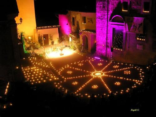 Piccole-Serenate-Notturne-notte-delle-candele-vallerano-2016-1