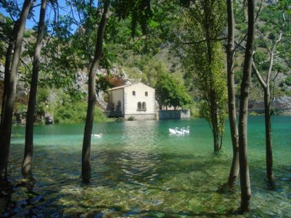 Grotta di San Domenico - Villa lago