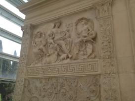 ara-pacis-ara-comera-roma-museo-6583