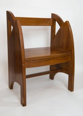 Giovanni Prini Poltroncina, 1926 legno di noce h cm. 88, cm. 61x43 Collezione privata, Roma