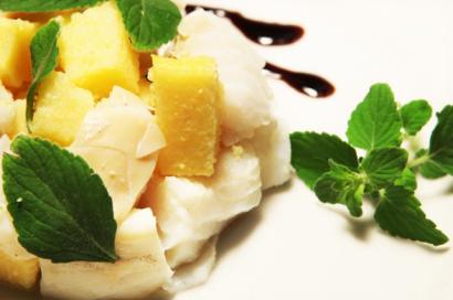 Mini sformatino di polenta e baccala' con mentuccia romana