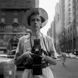 New York, 10 settembre, 1955 © Vivian Maier/Maloof Collection, Courtesy Howard Greenberg Gallery, New York.