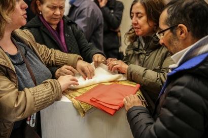 """Gruppi di visitatori presso la mostra """"Raffaello, Correggio, Caravaggio: un'esperienza tattile. Sulle orme di Scannelli"""", Palazzo Rospigliosi di Zagarolo - novembre 2016"""