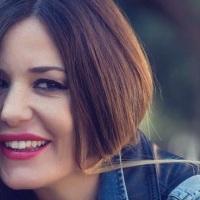 """#Intervista: Alessia Fabiani in """"Ti presento mio fratello"""" al Tirso"""