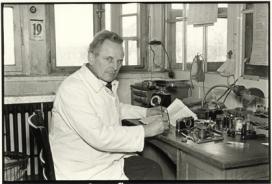 Julius Huisgen Oskar Barnack nel suo studio a Hausertor Works 1934 © Leica Camera AG