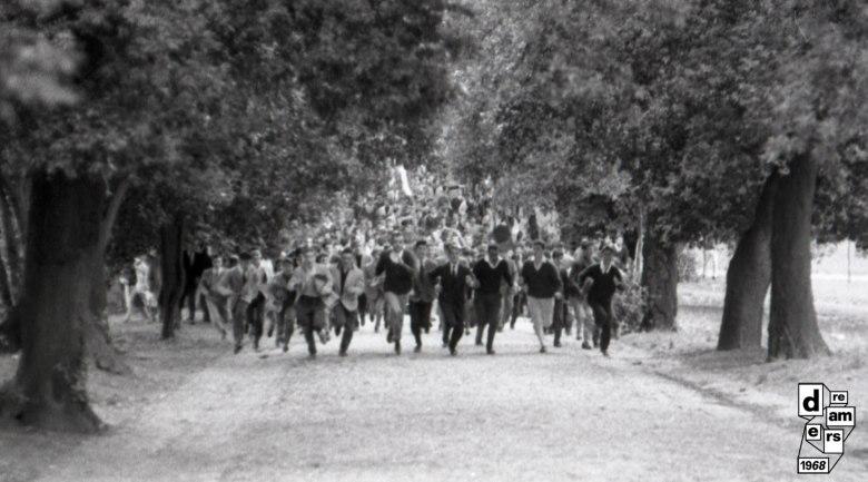 10_-DREAMERS-1968-CARLO-RICCARDI-ARCHIVIO-RICCARDI-Disordini-durante-la-battaglia-di-Valle-Giulia-1-marzo