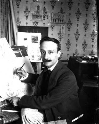 Ritratto di Raffaele de Vico nello studio, 1906 circa, stampa fotografica, Archivio Storico Capitolino