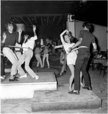 Viareggio, il ballo yum yum, luglio. Marcello Geppetti Media Company