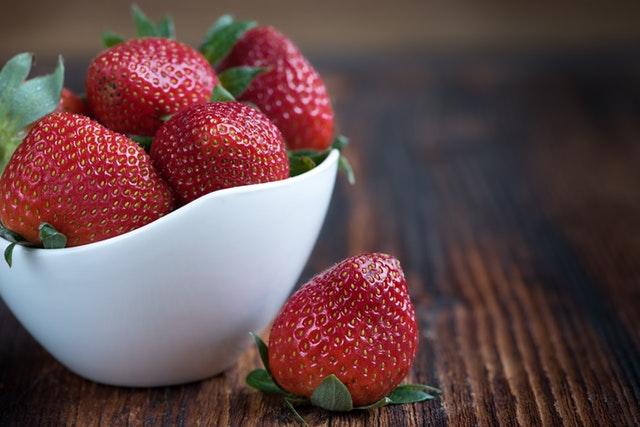 strawberries-frisch-ripe-sweet-89778-fragole-nemi-2018