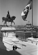 """Ralph Deakin - Monumento a Vittorio Emanuele II, o """"Vittoriano"""", anni trenta - Ralph Deakin / RIBA Collections"""
