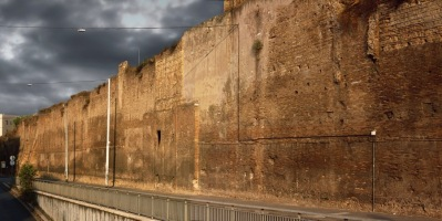 Mura Aureliane lungo il viale del Policlinico