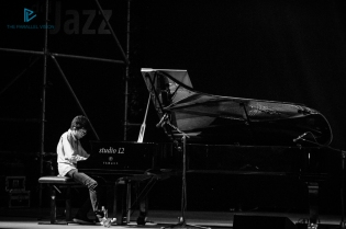 casa-del-jazz-i-concerti-nel-parco-2018-joey-alexander-10
