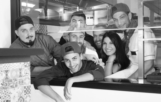 Farina-Kitchen_lo-staff