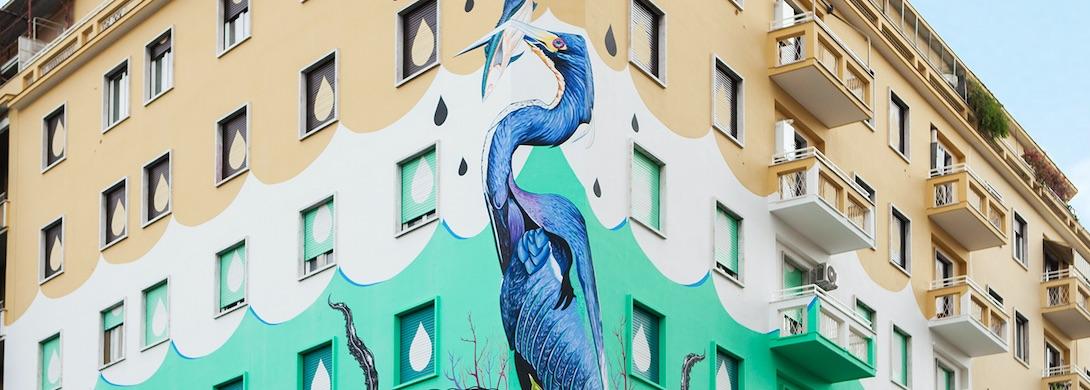 palazzo-murale-uccello-finestre-balconi