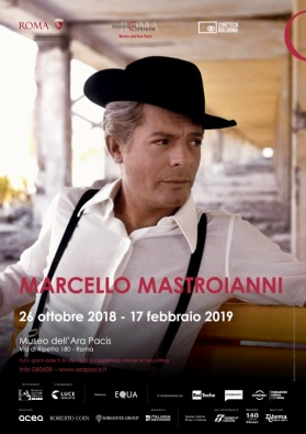 marcello-mastroianni-ara-pacis-2018-roma-locandina_mostra_Mastroianni