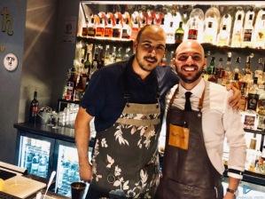 Jordy Di Leone con Bruno Rocco, resident di Pantaleo – Food Wine Mixology, durante la semifinale di Cucinema 2018/2019