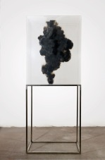 2-isabel-alonso-vega_humo-ii_fuliggine-su-plexiglass_100x80x50cm_2018-white-noise-gallery