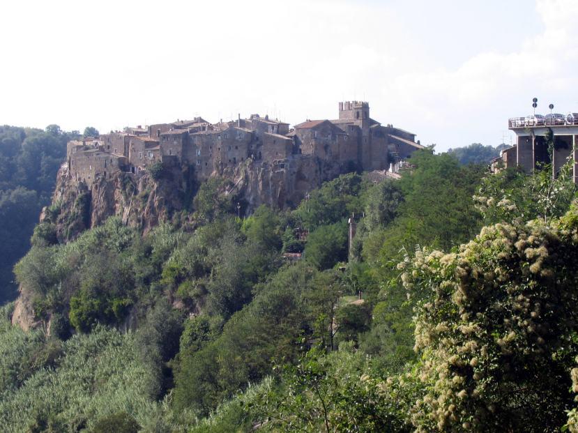 borghi-italiani-lazio-Calcata-22