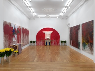 Exhibition view: Hermann Nitsch, 2018, Massimo de Carlo, London/GB (action painting, acrylic or oil on canvas, 2012-2017 ) Photo: © Massimo de Carlo
