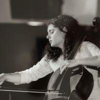 La violoncellista Birdal per la prima volta dal vivo a Roma da Clivo