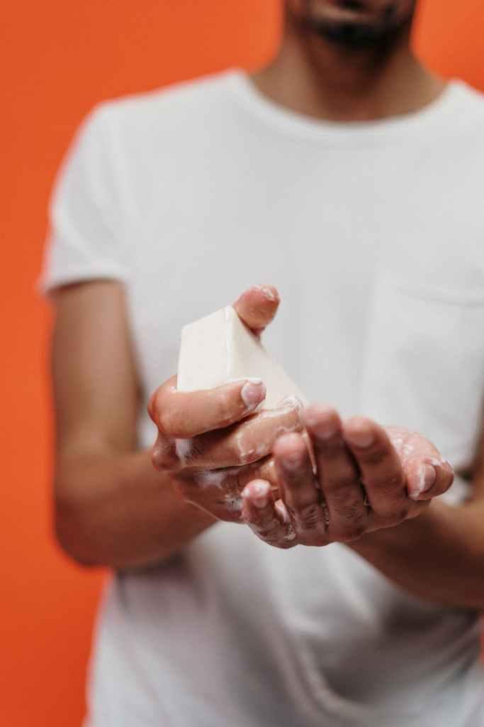 coronavirus-lavarsi-le-mani