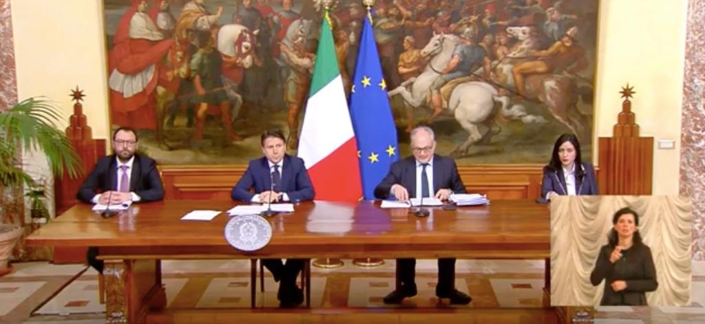 conferenza-stampa-giuseppe-conte-ministri