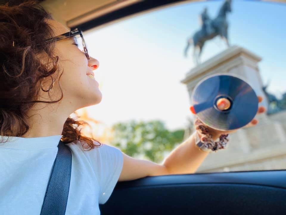 margherita-schirmacher-ragazza-in-auto-cd-gianicolo-roma