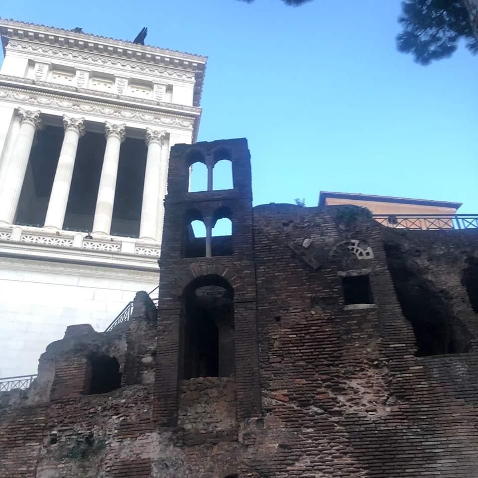insula-ara-coeli-roman-ruins