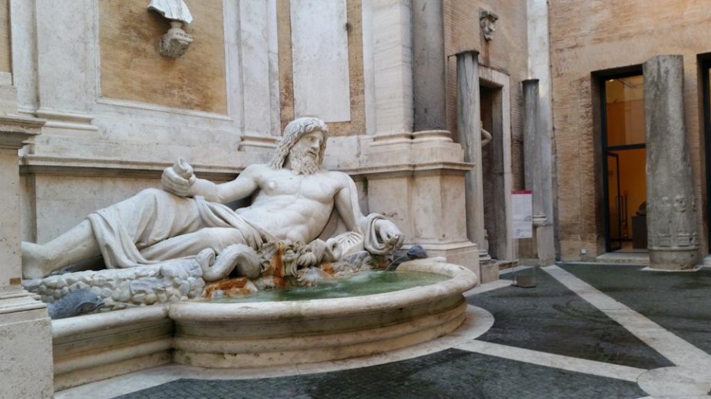 roman-statue-fontain-museum