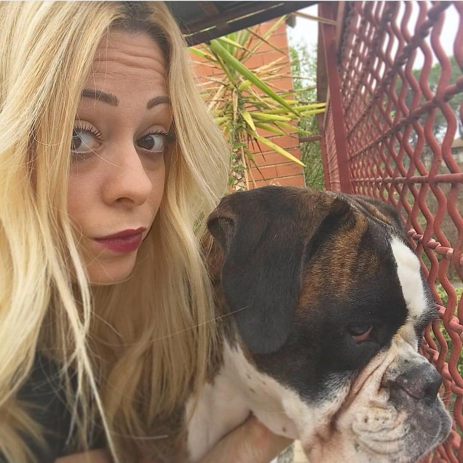 alice-targia-blonde-girl-with-dog