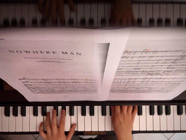 festa-della-musica-world-music-day-2020-girl-playing-piano