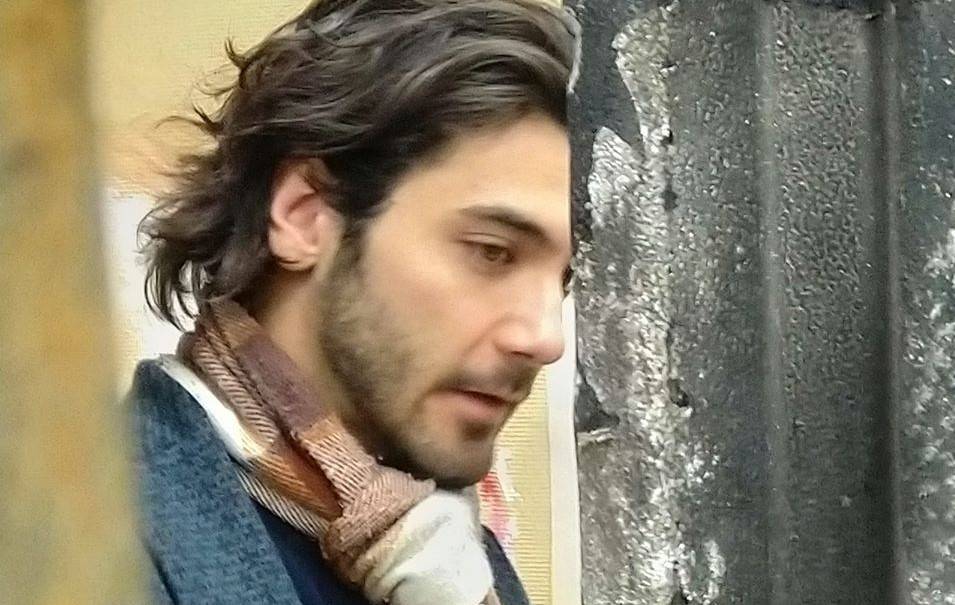 gio-montez-atelier-ragazzo-sciarpa