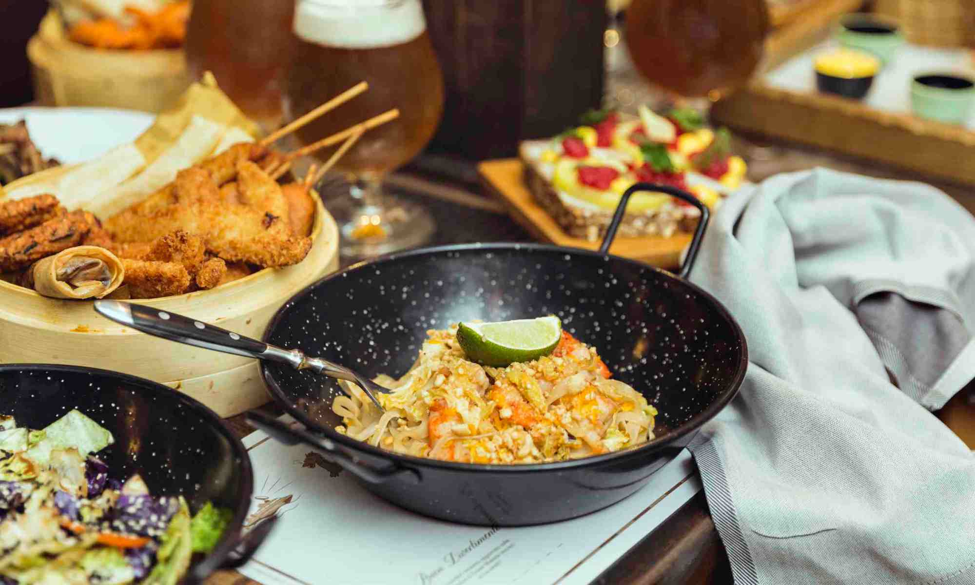 food-dish-fusion-wok-international-cousine