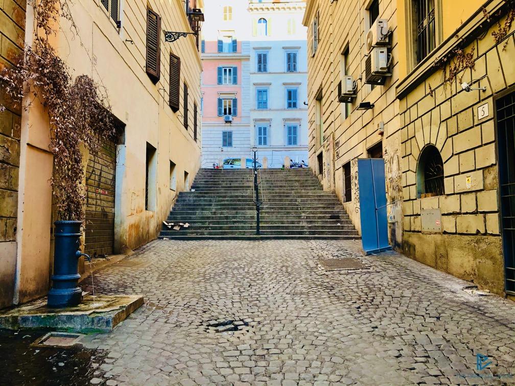 rioni-di-roma-the-parallel-vision-foto-monti-strade-monumenti-vicoli-scale-nasone-fontanella