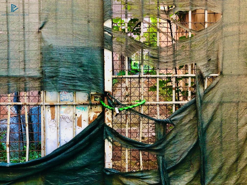 rioni-di-roma-the-parallel-vision-foto-monti-strade-monumenti-vicoli-piazza-cancello-catene