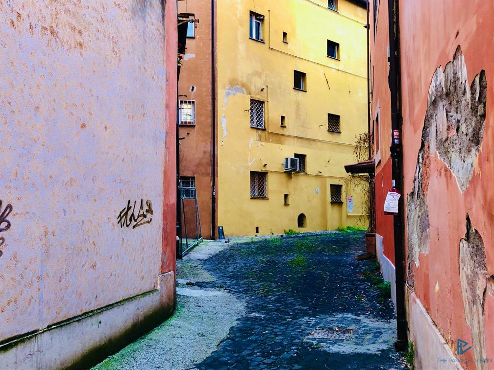 rioni-di-roma-the-parallel-vision-foto-monti-strade-monumenti-vicoli-rosa