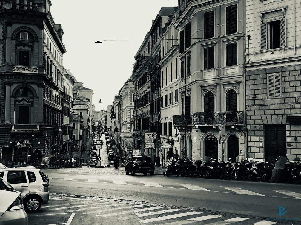 rioni-di-roma-the-parallel-vision-foto-monti-strade-monumenti-vicoli-strada-bianco-e-nero
