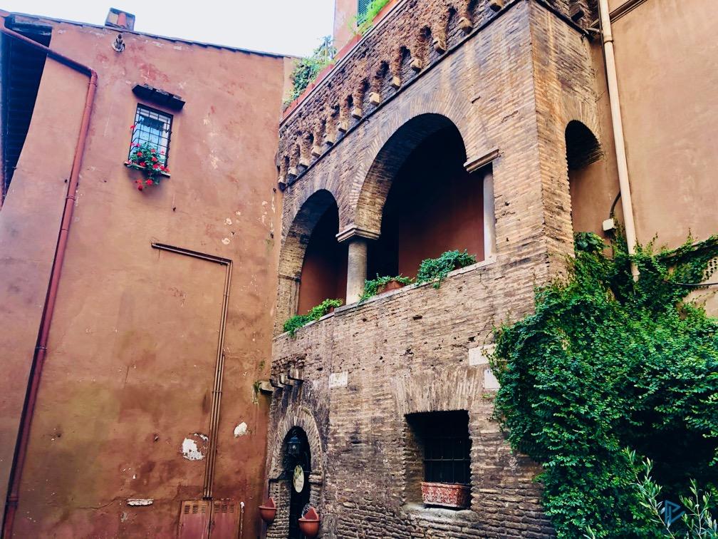rioni-di-roma-the-parallel-vision-foto-trastevere-strade-monumenti-vicoli-corte