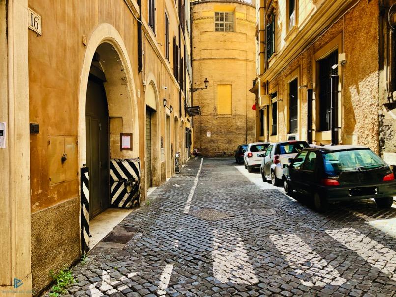 rioni-di-roma-the-parallel-vision-foto-trevi-strade-monumenti