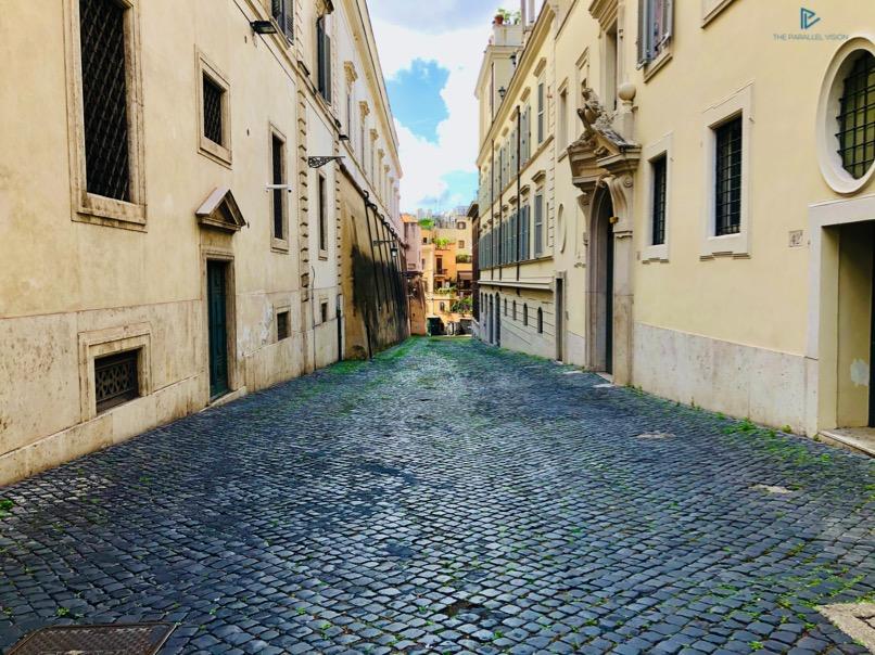 rioni-di-roma-the-parallel-vision-foto-trevi-strade-monumenti-vicoli-sanpietrini