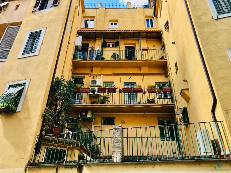 rioni-di-roma-the-parallel-vision-foto-trevi-strade-monumenti-vicoli-finestre-balconi