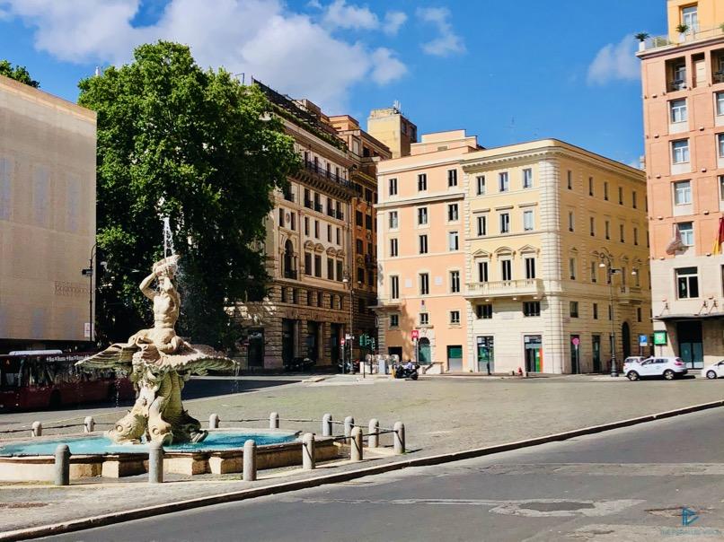 rioni-di-roma-the-parallel-vision-foto-trevi-strade-monumenti-vicoli-fontana-piazza-barberini-bernini