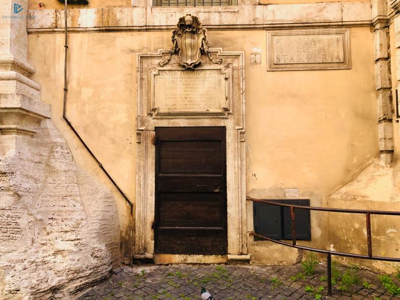 rioni-di-roma-the-parallel-vision-foto-trevi-strade-monumenti-vicoli-porta-legno