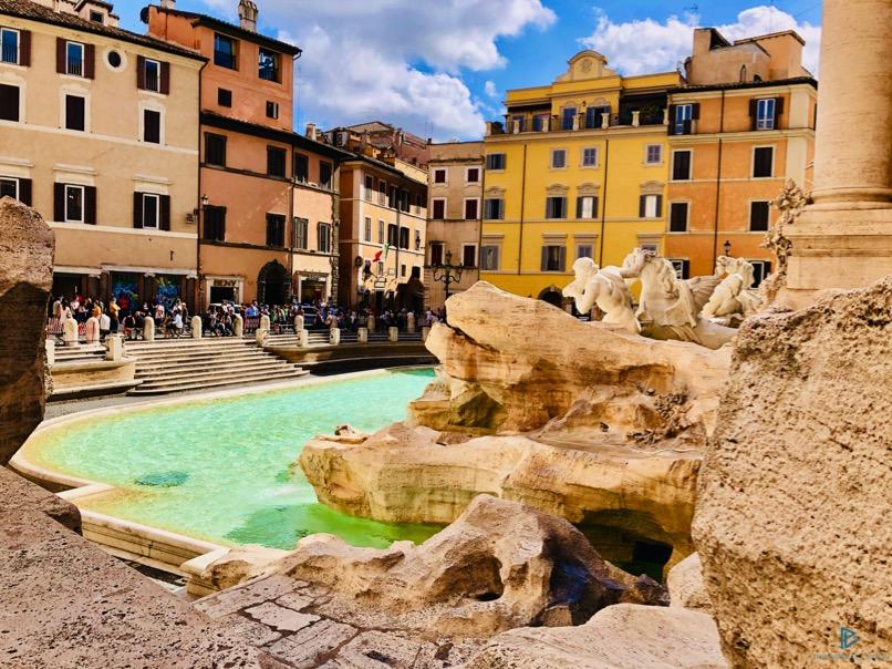 rioni-di-roma-the-parallel-vision-foto-trevi-strade-monumenti-vicoli-fontana